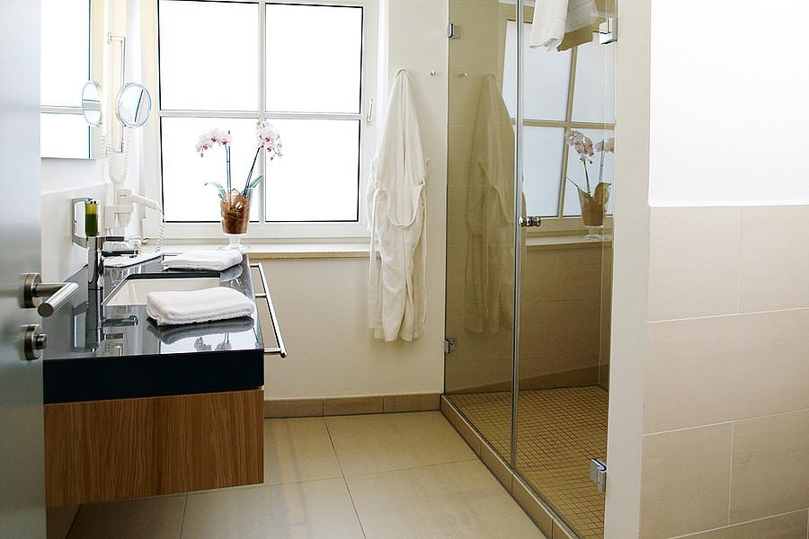 familienzimmer f r vier in memmingen. Black Bedroom Furniture Sets. Home Design Ideas